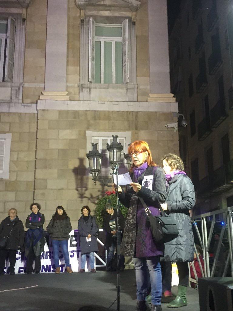 Lectura colectiva del manifiesto del 25 de Noviembre contra la violencia machista
