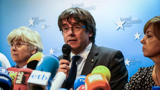 Sobre la querella a Puigdemont y el Govern de la Generalitat, y su «exilio»: «más dura será la caída»