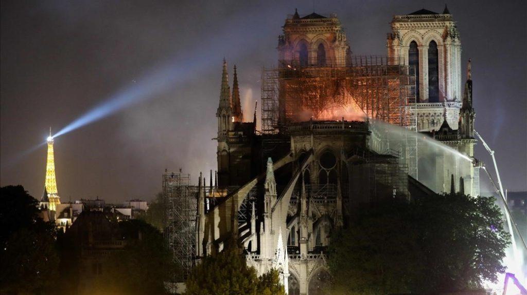 Incendio de la catedral de Notre Dame (París). Abril 2019
